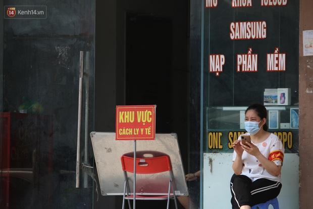 Hà Nội: Phong tỏa chung cư Đại Thanh sau khi ghi nhận ca dương tính với SARS-CoV-2 - Ảnh 8.
