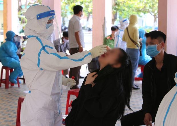 Cặp đôi dương tính SARS-CoV-2 ở Đà Nẵng từng về nhà tại TP.HCM, tập gym, uống trà sữa và đi ăn tại nhiều nơi - Ảnh 1.