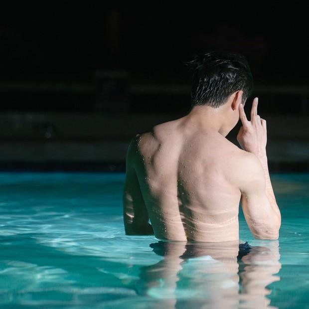 Nội dung siêu mlem hội chị em xuýt xoa trong Girl From Nowhere: Trai hư visual cực phẩm, body còn gây bất ngờ hơn - Ảnh 17.