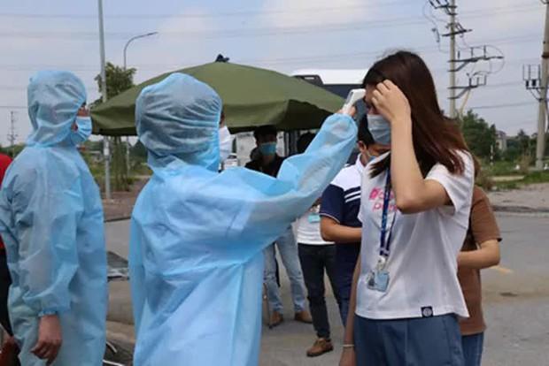 Nhiều học sinh và giáo viên dương tính SARS-CoV-2, 511 học sinh phải cách ly tập trung - Ảnh 1.