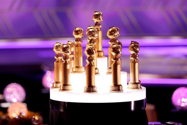 Toàn cảnh Quả Cầu Vàng sắp toang: Tom Cruise trả lại 3 tượng vàng, Scarlett Johansson đòi tẩy chay, Emily in Paris bị tố mua giải căng đét - Ảnh 1.