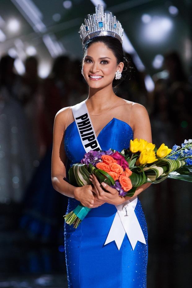 Năm Phạm Hương thi, Miss Universe từng xảy ra sự cố chấn động cả thế giới, Á hậu bật khóc trao lại vương miện cho Hoa hậu - Ảnh 7.