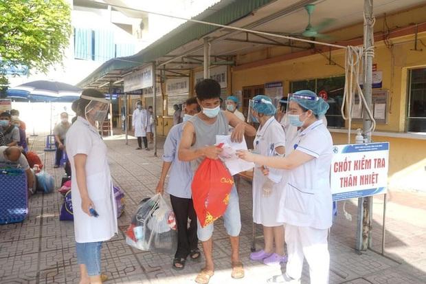 2 bệnh nhân cách ly tại Bệnh viện Phổi Thái Bình dương tính với SARS-CoV-2 - Ảnh 1.