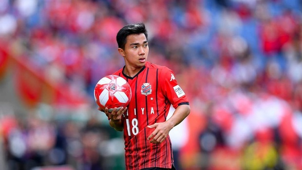Chanathip Songkrasin dứt khoát không về Hoàng Anh Gia Lai với HLV Kiatisuk - Ảnh 1.