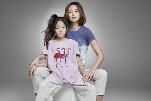 Dụi mắt mấy lần mới nhận ra thiên thần nhí Choo Sarang: Cao lớn vượt trội, làm mẫu chuyên nghiệp không kém gì người mẹ siêu mẫu - Ảnh 5.