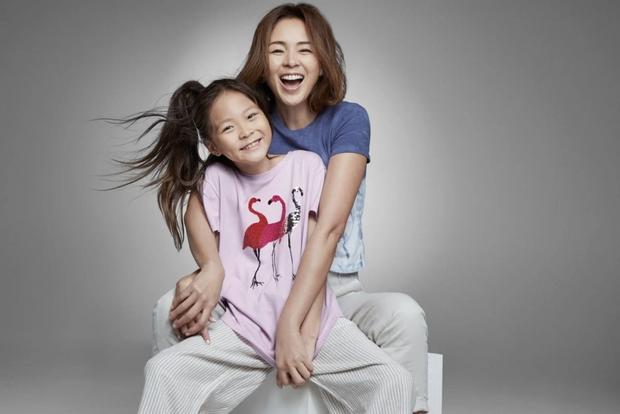 Dụi mắt mấy lần mới nhận ra thiên thần nhí Choo Sarang: Cao lớn vượt trội, làm mẫu chuyên nghiệp không kém gì người mẹ siêu mẫu - Ảnh 6.