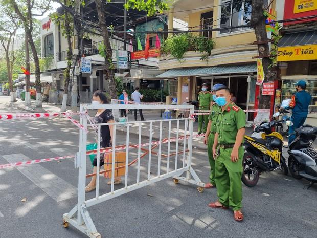 Cặp đôi dương tính SARS-CoV-2 ở Đà Nẵng từng về nhà tại TP.HCM, tập gym, uống trà sữa và đi ăn tại nhiều nơi - Ảnh 2.