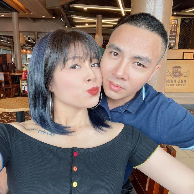 Sau tuyên bố cưới không xứng tầm thì thà độc thân rồi lơ đẹp, MC Hoàng Linh vừa tương tác với chồng rồi đây  - Ảnh 2.