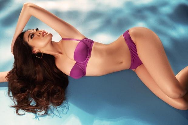 Khánh Vân tung bộ hình bikini khoe trọn 3 vòng bốc lửa trước thềm Bán kết Miss Universe 2020 - Ảnh 6.