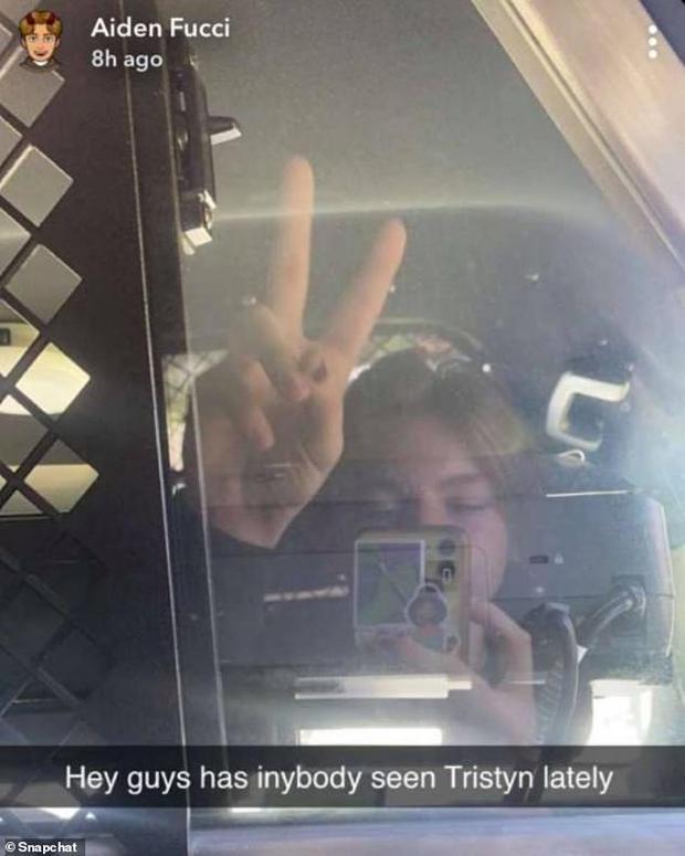 Cô bé 13 tuổi được tìm thấy chết trong rừng, cảnh sát lập tức bắt giữ thiếu niên 14 tuổi chỉ nhờ 1 bức ảnh selfie cậu ta đăng lên mạng - Ảnh 2.