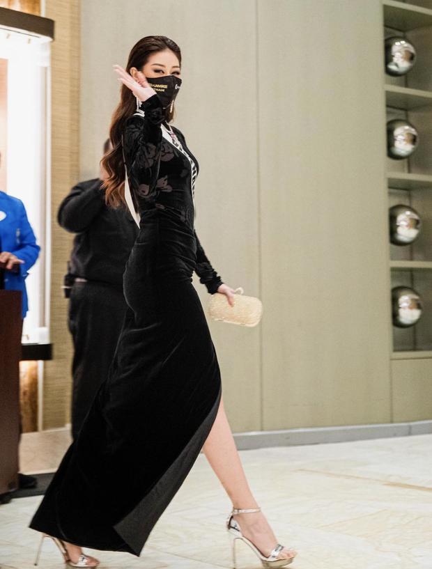 Từng gây tranh cãi ấy thế mà Khánh Vân lại ghi điểm tuyệt đối nhờ bộ cánh này, visual nổi bần bật giữa rừng mỹ nhân Miss Universe - Ảnh 4.
