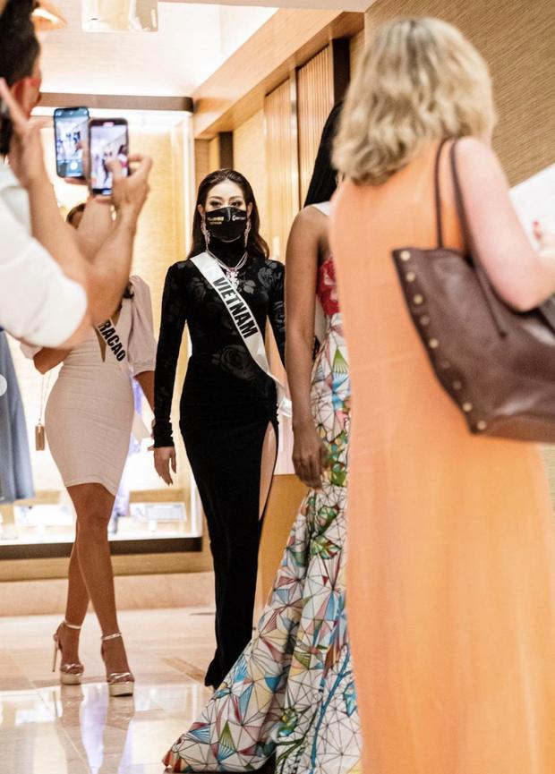 Từng gây tranh cãi ấy thế mà Khánh Vân lại ghi điểm tuyệt đối nhờ bộ cánh này, visual nổi bần bật giữa rừng mỹ nhân Miss Universe - Ảnh 6.