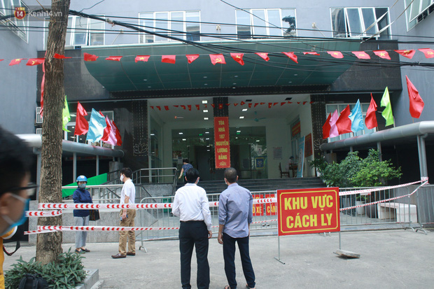Hà Nội: Cách ly tạm thời chung cư 187 Nguyễn Lương Bằng, truy vết trường hợp tiếp xúc với ca mắc Covid-19 - Ảnh 1.