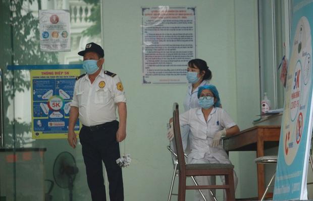 Hà Nội: Cách ly tạm thời chung cư 187 Nguyễn Lương Bằng, truy vết trường hợp tiếp xúc với ca mắc Covid-19 - Ảnh 4.