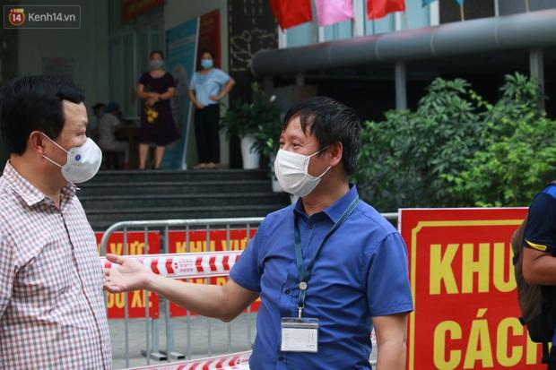 Hà Nội: Cách ly tạm thời chung cư 187 Nguyễn Lương Bằng, truy vết trường hợp tiếp xúc với ca mắc Covid-19 - Ảnh 6.