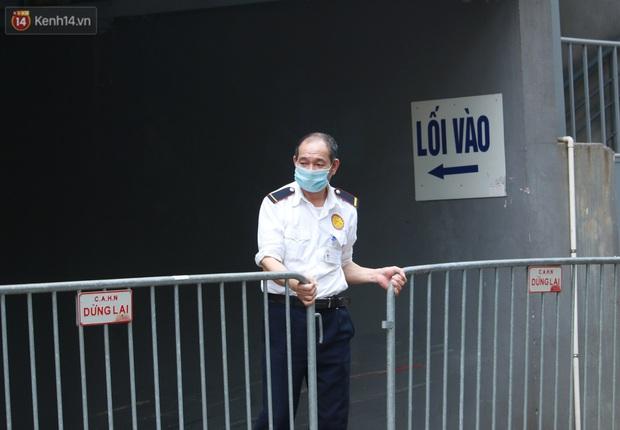 Hà Nội: Cách ly tạm thời chung cư 187 Nguyễn Lương Bằng, truy vết trường hợp tiếp xúc với ca mắc Covid-19 - Ảnh 11.