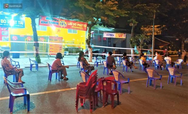 Hơn 30 ca dương tính SARS-CoV-2 mới, Đà Nẵng phong tỏa khẩn cấp khu công nghiệp trong đêm - Ảnh 9.