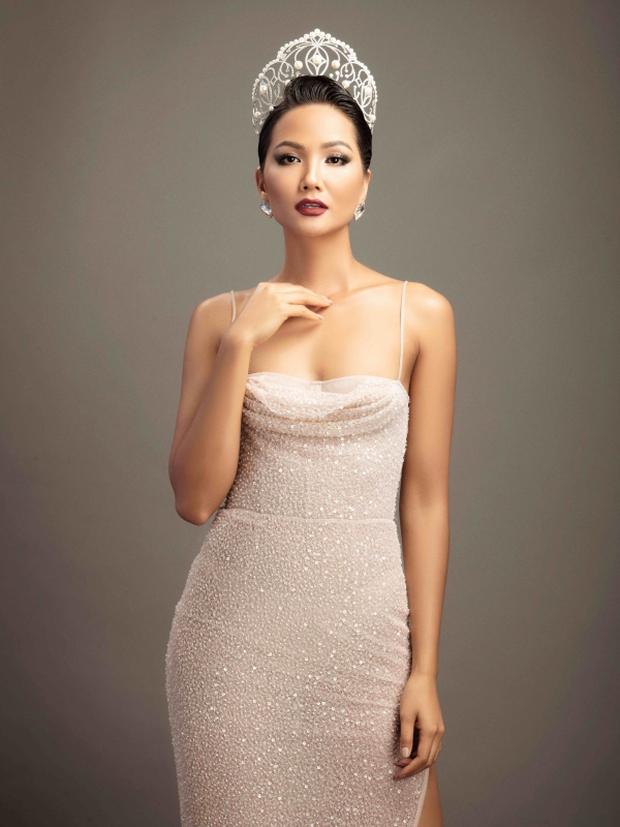 Công bố danh sách 8 vị giám khảo Miss Universe 2020, Hoa hậu HHen Niê liệu có xuất hiện như tin đồn? - Ảnh 2.