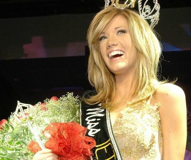 4 sự vụ chấn động lịch sử Miss Universe: Hoa hậu suýt mất ngôi vì béo, trao nhầm vương miện, Donald Trump gây sốc vì loạt phát ngôn - Ảnh 2.