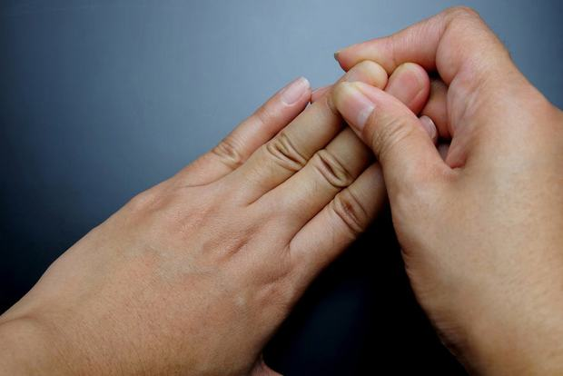 Người xuất hiện 3 triệu chứng trên cơ thể thường có nguy cơ mắc ung thư phổi khá cao, mong rằng bạn không có cái nào - Ảnh 3.