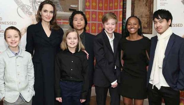 Angelina Jolie tiết lộ lý do vẫn độc thân sau 5 năm ly hôn Brad Pitt - Ảnh 2.