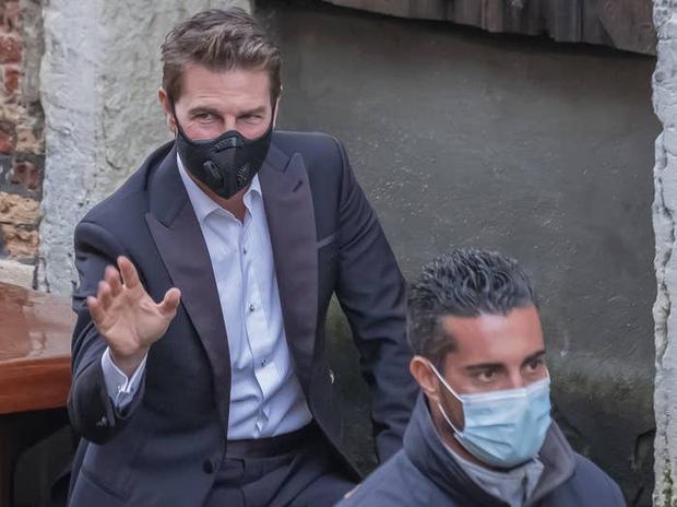 Tom Cruise đóng cảnh hành động nguy hiểm nhất sự nghiệp, giải thích việc chửi bới thậm tệ thành viên ekip Nhiệm Vụ Bất Khả Thi - Ảnh 1.