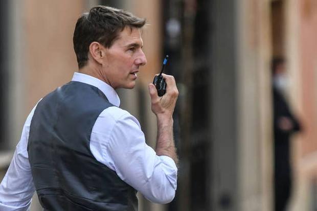 Tom Cruise đóng cảnh hành động nguy hiểm nhất sự nghiệp, giải thích việc chửi bới thậm tệ thành viên ekip Nhiệm Vụ Bất Khả Thi - Ảnh 3.