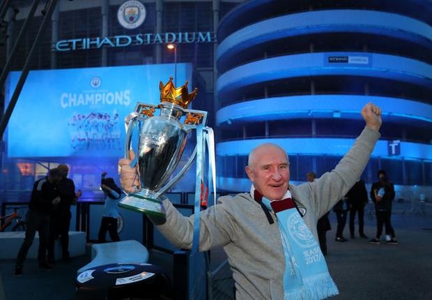 Man City chính thức vô địch Ngoại hạng Anh, Pep lập hàng loạt thành tích - Ảnh 4.