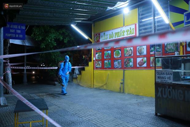 Đà Nẵng phát hiện hơn 30 ca dương tính SARS-CoV-2 mới: Phong tỏa khẩn cấp khu công nghiệp, xét nghiệm 700 người trong đêm - Ảnh 6.