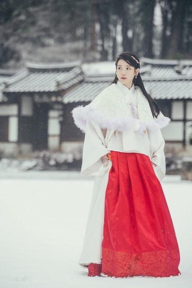 Bộ tứ idol Hàn đẹp hút hồn khi hóa mỹ nữ cổ trang: IU hay Yoona mới là chân ái của đời bạn? - Ảnh 7.
