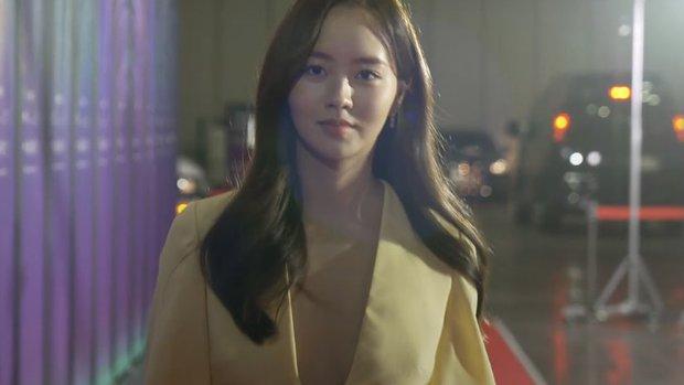 Sao nhí Kim So Hyun khiến cả xứ Hàn chao đảo vì màn lột xác táo bạo, xẻ ngực sâu hoắm đốt cháy thảm đỏ Baeksang 2021 - Ảnh 6.