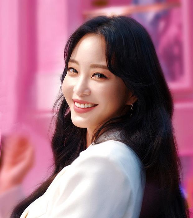 Ngỡ ngàng profile bạn trai mới của minh tinh Han Ye Seul: Hóa ra là diễn viên, nhưng sốc nhất là khoảng cách tuổi - Ảnh 4.