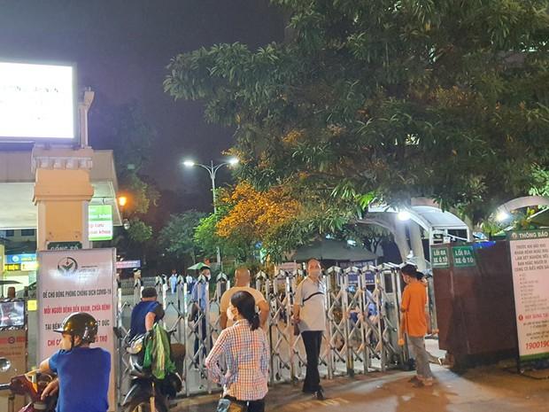 Hà Nội: Nam bệnh nhân rơi từ tầng 5 Bệnh viện Việt Đức tử vong thương tâm - Ảnh 1.
