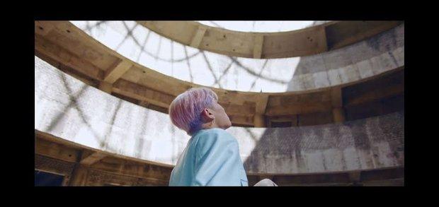 Tòa nhà bí ẩn trong MV Kpop: Từ IU, Chungha cho đến loạt nghệ sĩ của SM, JYP đều từng ghé qua - Ảnh 11.