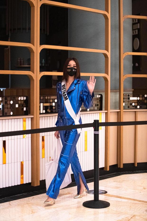 Khánh Vân liên tục xuất hiện trên Instagram của Miss Universe: Khi thì dịu dàng, khi lại quẩy bung nóc - Ảnh 1.