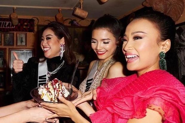 Khánh Vân lồ lộ khuyết điểm trên khuôn mặt trong ảnh đi ăn tối với dàn mỹ nhân Miss Universe, may vẫn ghi điểm nhờ lý do này - Ảnh 2.