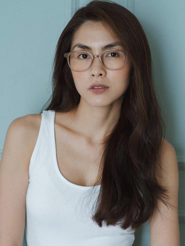 Đào lại ảnh của Hà Tăng năm 17 tuổi: Xứng danh ngọc nữ đẹp và thần thái, tóc ngắn cá tính ngời ngời khí chất đại mỹ nhân - Ảnh 4.
