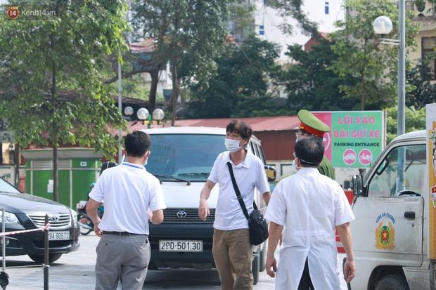 Hà Nội: Phong tỏa tạm thời Chung cư Hồ Gươm Plaza sau khi ghi nhận ca dương tính với SARS-CoV-2 - Ảnh 12.