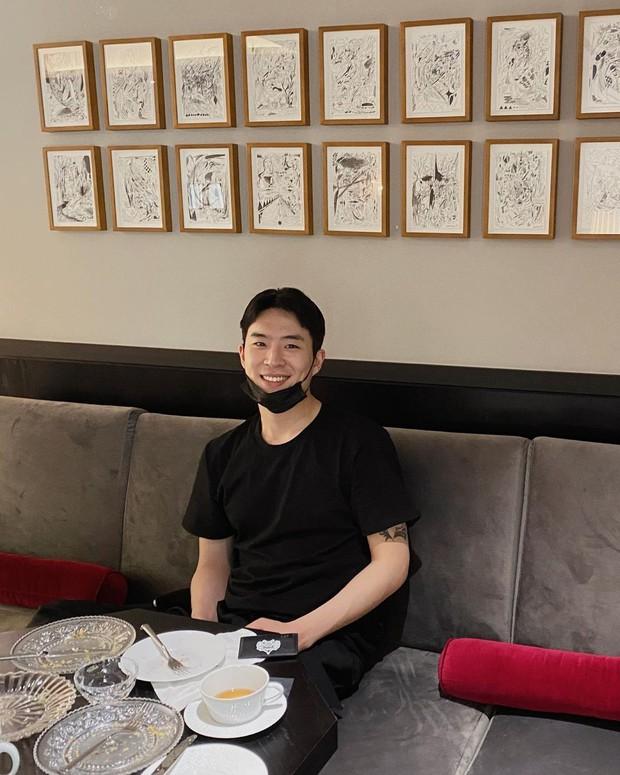 Không cần Dispatch khui, lần đầu có nữ diễn viên Hàn bá đạo tự công khai hẹn hò kèm hẳn ảnh bạn trai lên Instagram - Ảnh 3.