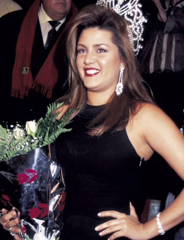 4 sự vụ chấn động lịch sử Miss Universe: Hoa hậu suýt mất ngôi vì béo, trao nhầm vương miện, Donald Trump gây sốc vì loạt phát ngôn - Ảnh 10.
