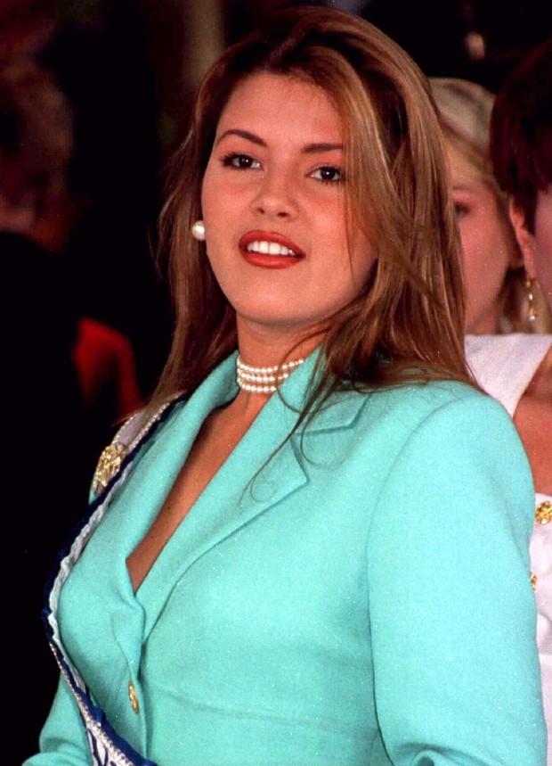 4 sự vụ chấn động lịch sử Miss Universe: Hoa hậu suýt mất ngôi vì béo, trao nhầm vương miện, Donald Trump gây sốc vì loạt phát ngôn - Ảnh 11.
