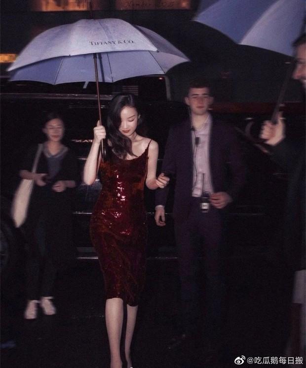 Khi fan xịn xả ảnh chụp idol: Nhiệt Ba có khung hình huyền thoại, Dương Mịch bị đè bẹp bởi Triệu Lệ Dĩnh - Nghê Ni - Ảnh 4.