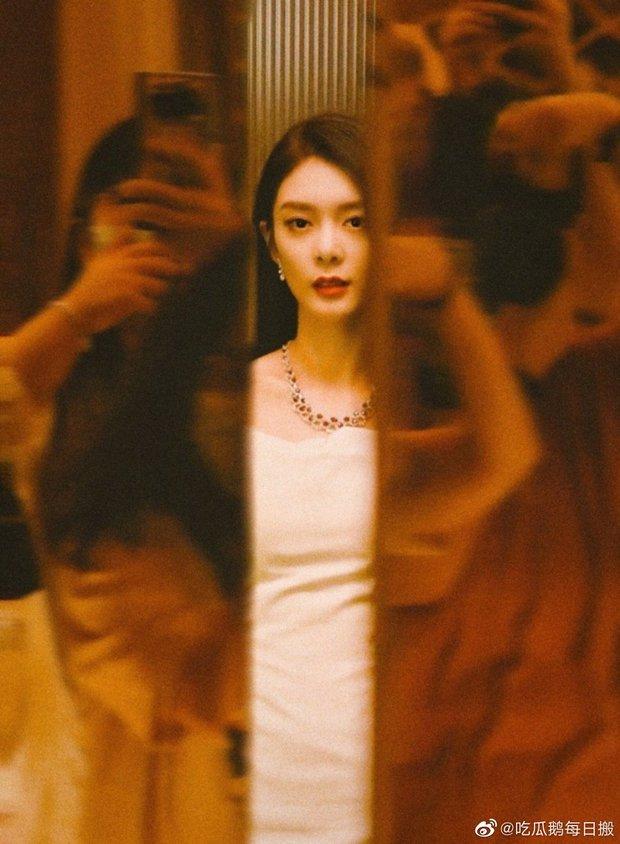 Khi fan xịn xả ảnh chụp idol: Nhiệt Ba có khung hình huyền thoại, Dương Mịch bị đè bẹp bởi Triệu Lệ Dĩnh - Nghê Ni - Ảnh 5.