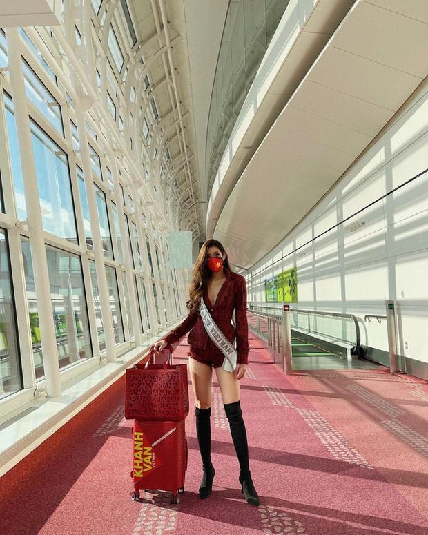 Hoa hậu Khánh Vân có 1 loạt giày dép diện vào là như thắp sáng cả set đồ, chị em không tìm mua thì hơi bị phí! - Ảnh 1.