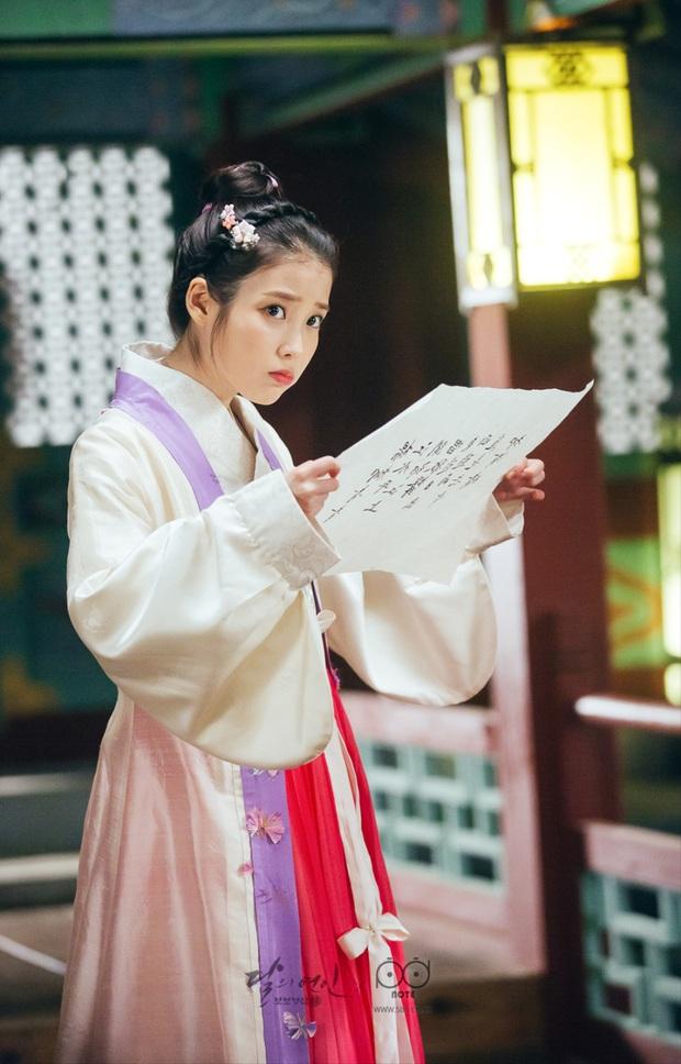 Bộ tứ idol Hàn đẹp hút hồn khi hóa mỹ nữ cổ trang: IU hay Yoona mới là chân ái của đời bạn? - Ảnh 9.