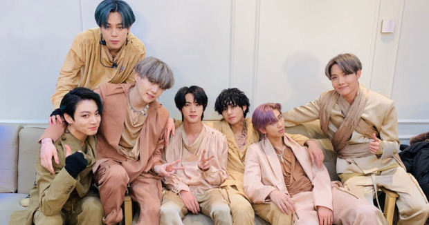BTS có hẳn bảo tàng trưng bày album trong 8 năm hoạt động, nhìn đồ sộ đúng chất idol chăm chỉ - Ảnh 1.