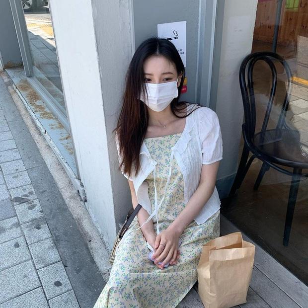 Để diện váy hai dây xịn đẹp level cao nhất, chị em hãy nghía ngay 12 set đồ này của gái Hàn - Ảnh 8.