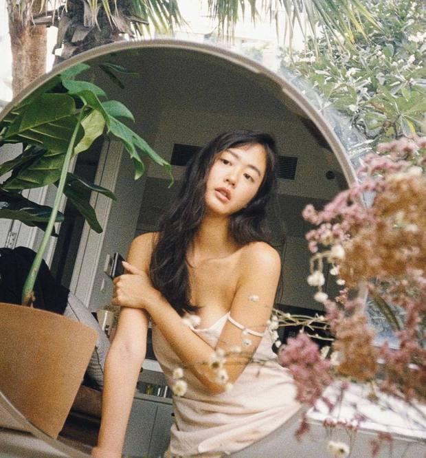 Nữ chính trốn tìm trong MV Đen Vâu là gái xinh người Pháp gốc Việt từng gây sốt MXH, vào ngắm ảnh Instagram mà mê luôn! - Ảnh 13.
