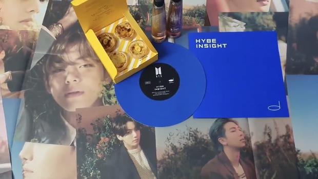Phát hiện bức vẽ của Jungkook trên mẫu bánh nhà HYBE khiến fan nở mũi: Đúng là thời tới cản không kịp - Ảnh 3.