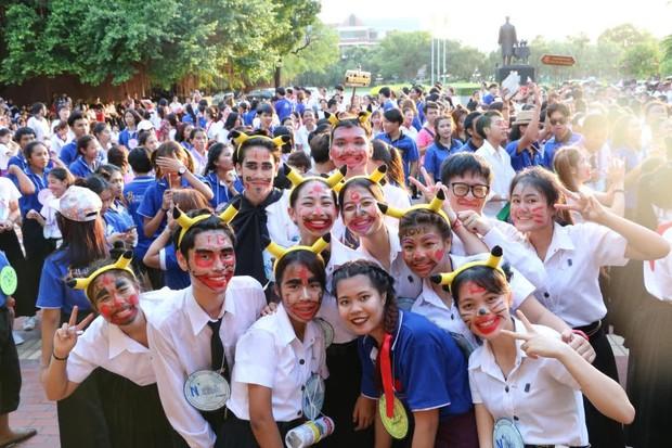 Học sinh mới bị đánh chết trong lễ nhập học ở Girl From Nowhere 2 là chuyện chẳng hiếm gặp ở Thái Lan? - Ảnh 13.